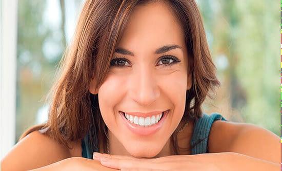 Albía Clínica Dental - Carillas de porcelana