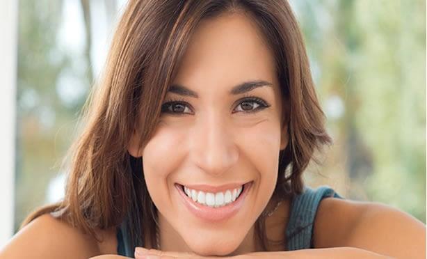 Albía Clínica Dental - Carillas de composite